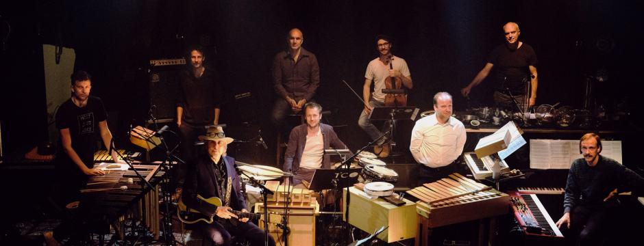 The Colorist Orchestra & Howe gelb by Eric Verberdt